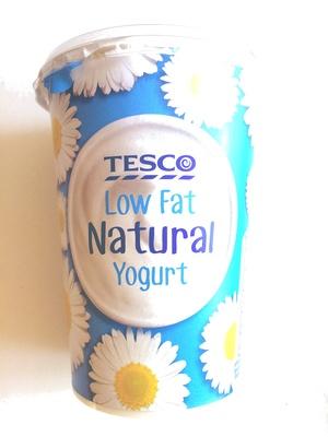 Low fat natural yoghurt